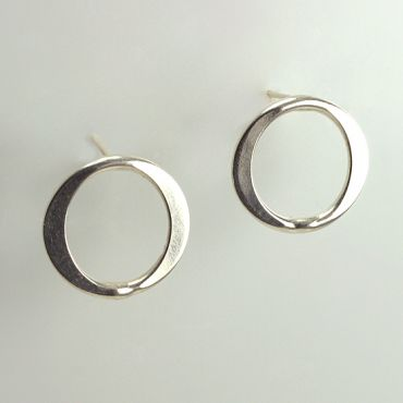 BG21: Handcrafted Forged Circle Post Earrings